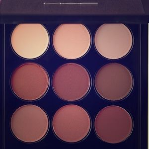 Brand new MAC Eyeshadow 9 & FREE MAC lipstick 💄
